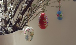 Jasmine White London hand painted easter egg decorations