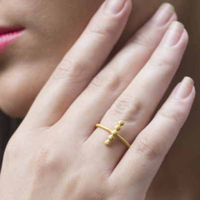 Jasmine White London 18k Gold vermeil crystal bar ring